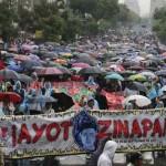 """""""No habrá olvido"""", claman miles a un año de la tragedia en Iguala"""