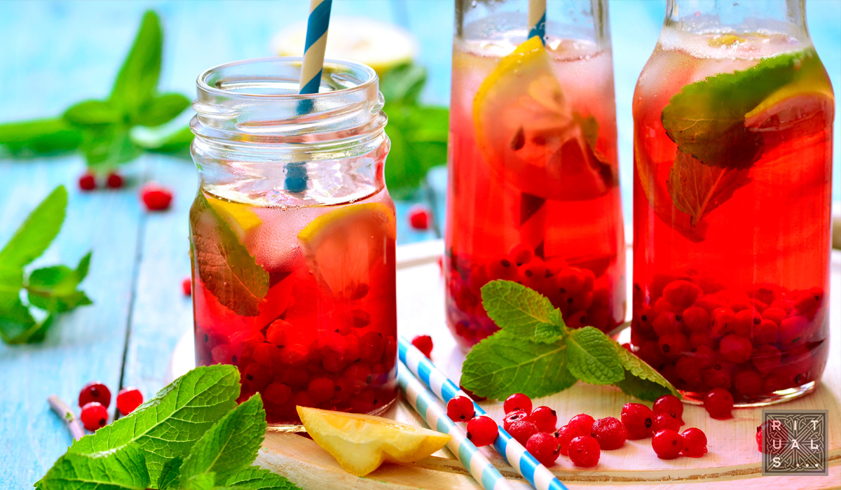 Aguas frescas con hierbas y especias via organica for Aguas frescas citricas naturales con