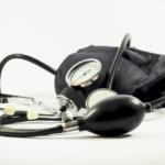 La presión arterial alta podría duplicar el riesgo de morir por COVID