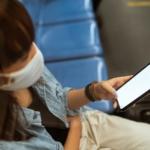 El coronavirus podría utilizar su teléfono celular para transportarse